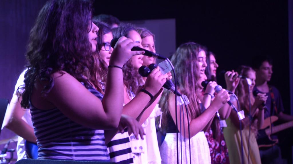 זמרת שירה זמרות נוער